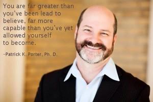 Portrait von Dr. Patrick K. Porter, Autor, Hypnotiseur, Unternehmer und Vortragender